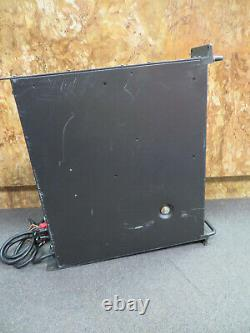 Mackie FR Series M1200 Professional Power Amplifier POWERS ON