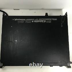 QSC PLX 3002 Professional Lightweight Stereo Amplifier 550 @ W 8 Ohms 900 @ Four