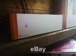Pro-ject Amp Box Ds2 Mono X 2 Blocs Mono Classe D Amplificateur De Puissance Argent Noyer