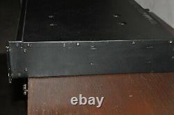 Qsc Rmx 1850hd Amplificateur De Puissance Stéréo Professionnel 550 Watts Par Ampli Canal